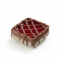 Pralina malinov kvadrat - LaChocolate.si